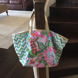 Lilly Pulitzer summer tote.